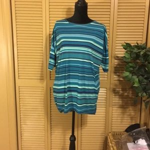 🌈LuLaRoe teal and blue stripped tunic